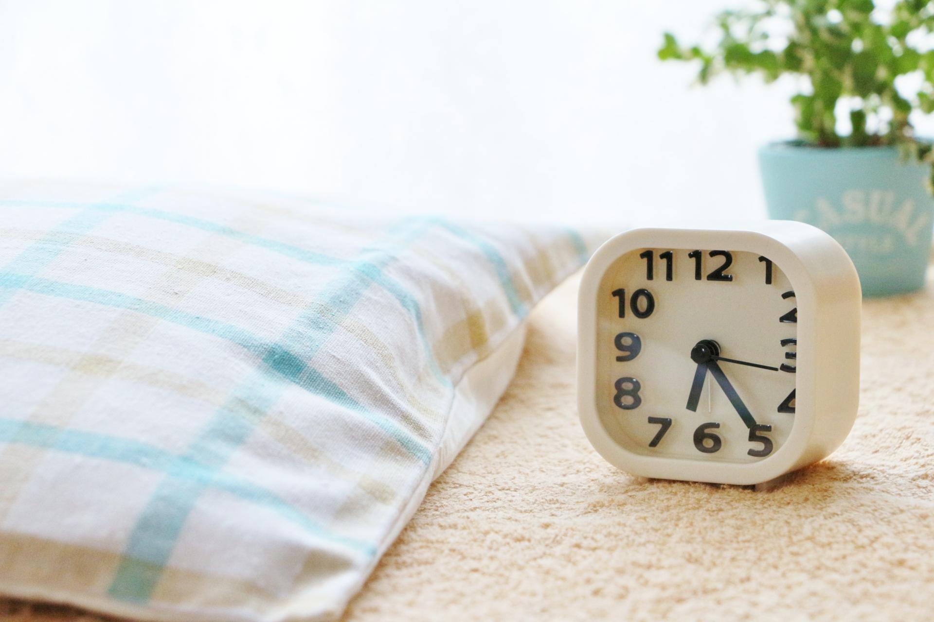 目覚まし時計のおすすめ5選&選び方【絶対起きたい】