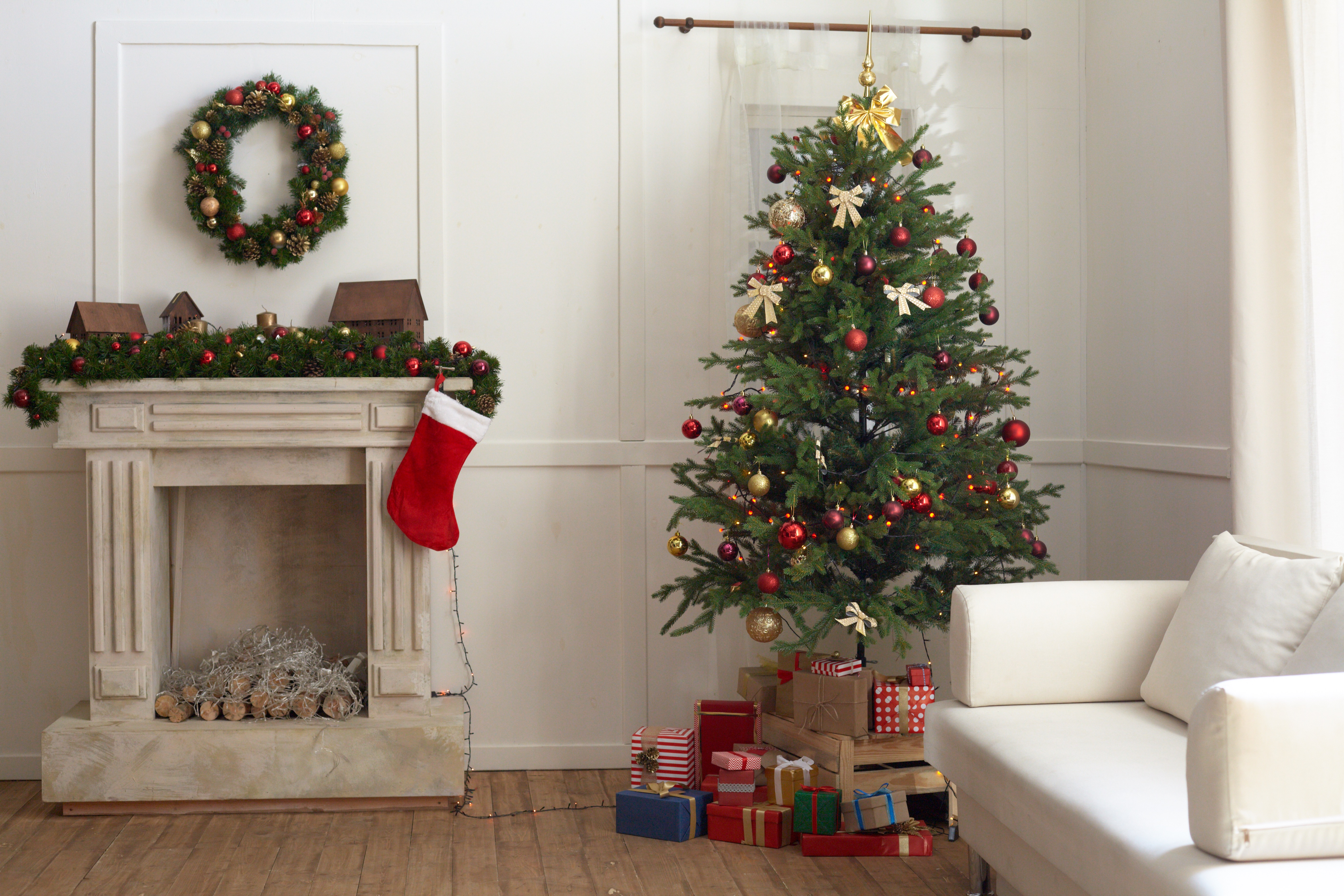 クリスマスツリーのおすすめ6選!卓上ミニサイズも【2020年版】