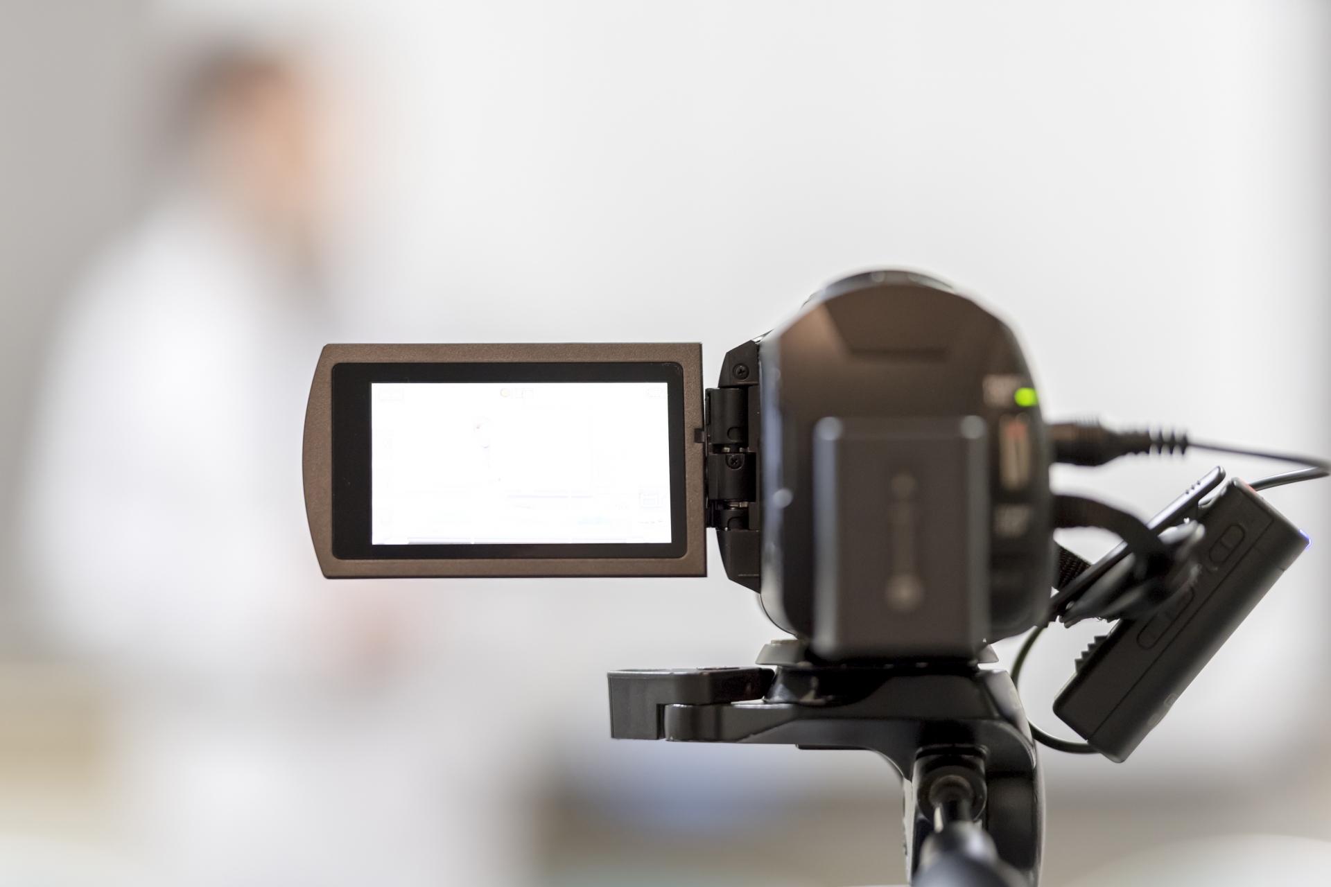 ビデオカメラのおすすめ4選!手ブレ補正付きも【2020年版】