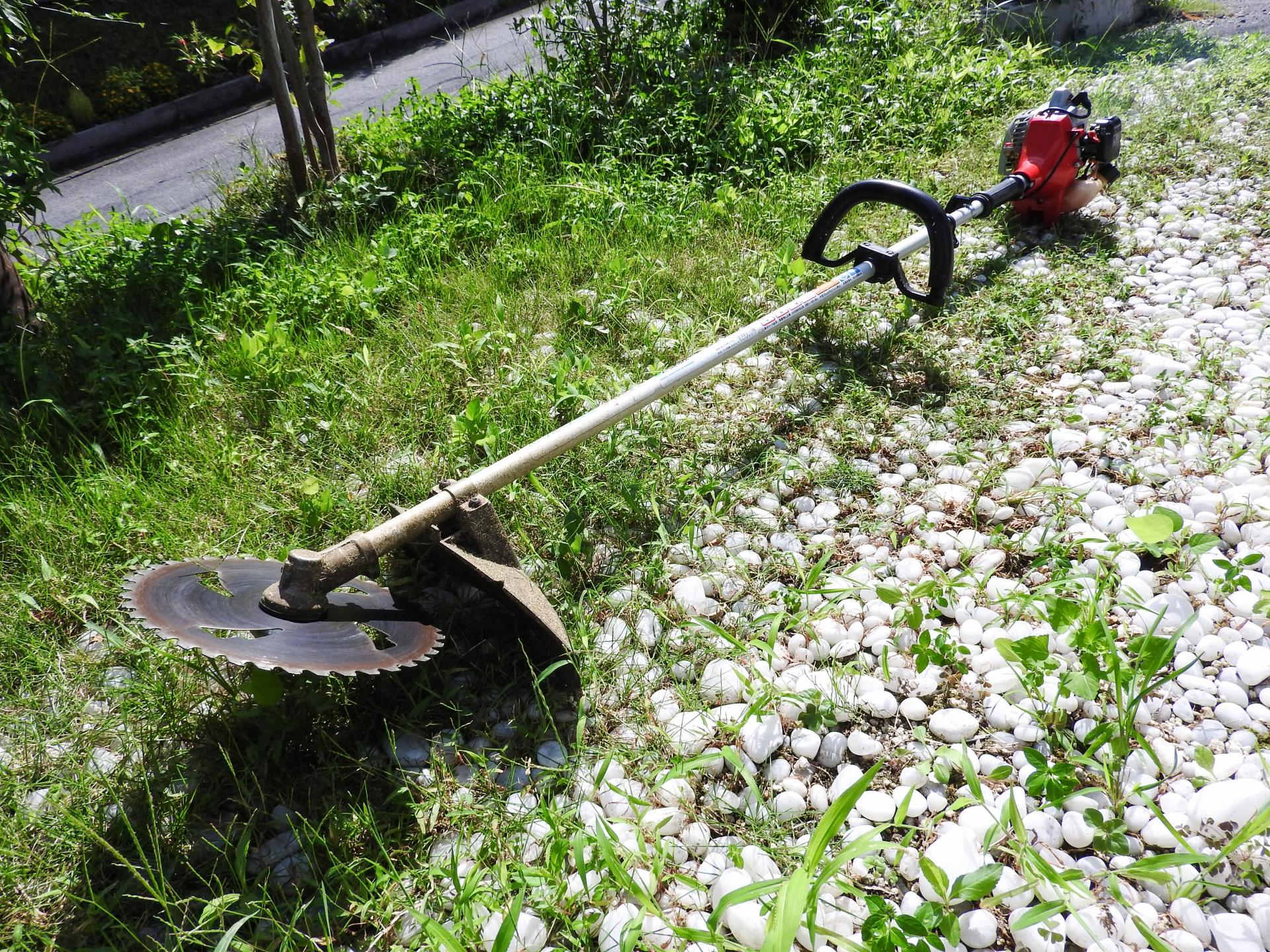 草刈り機のおすすめ5選!扱いやすい軽量タイプも