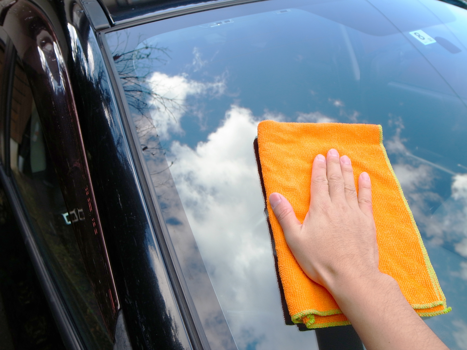 車用ガラスクリーナーのおすすめ5選&選び方【フロントガラスに】