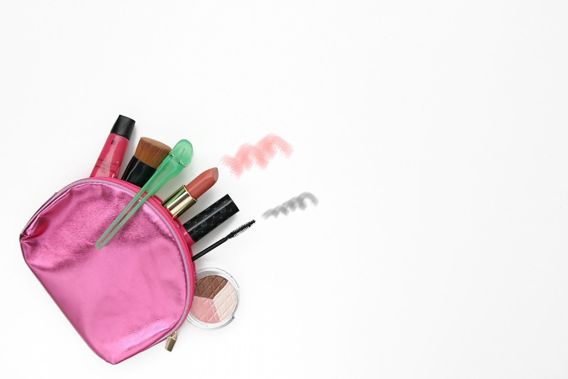 化粧ポーチのおすすめ5選&選び方【機能的で使いやすい!】