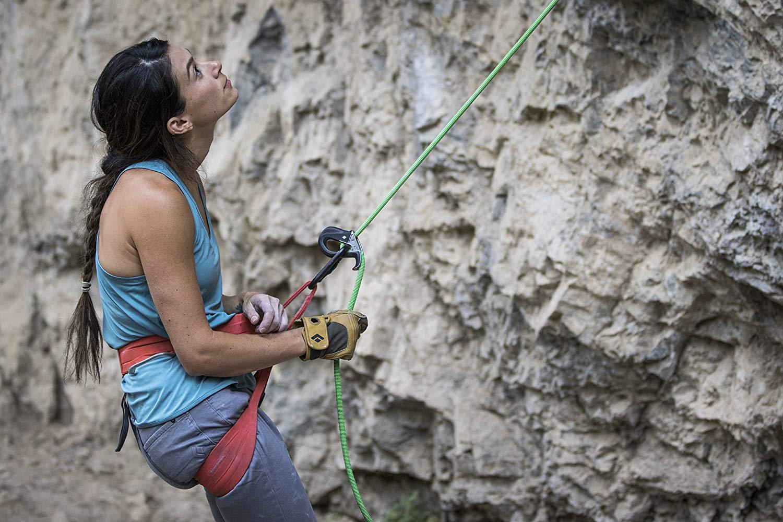 クライミンググローブのおすすめ4選&選び方【登山を安全に】