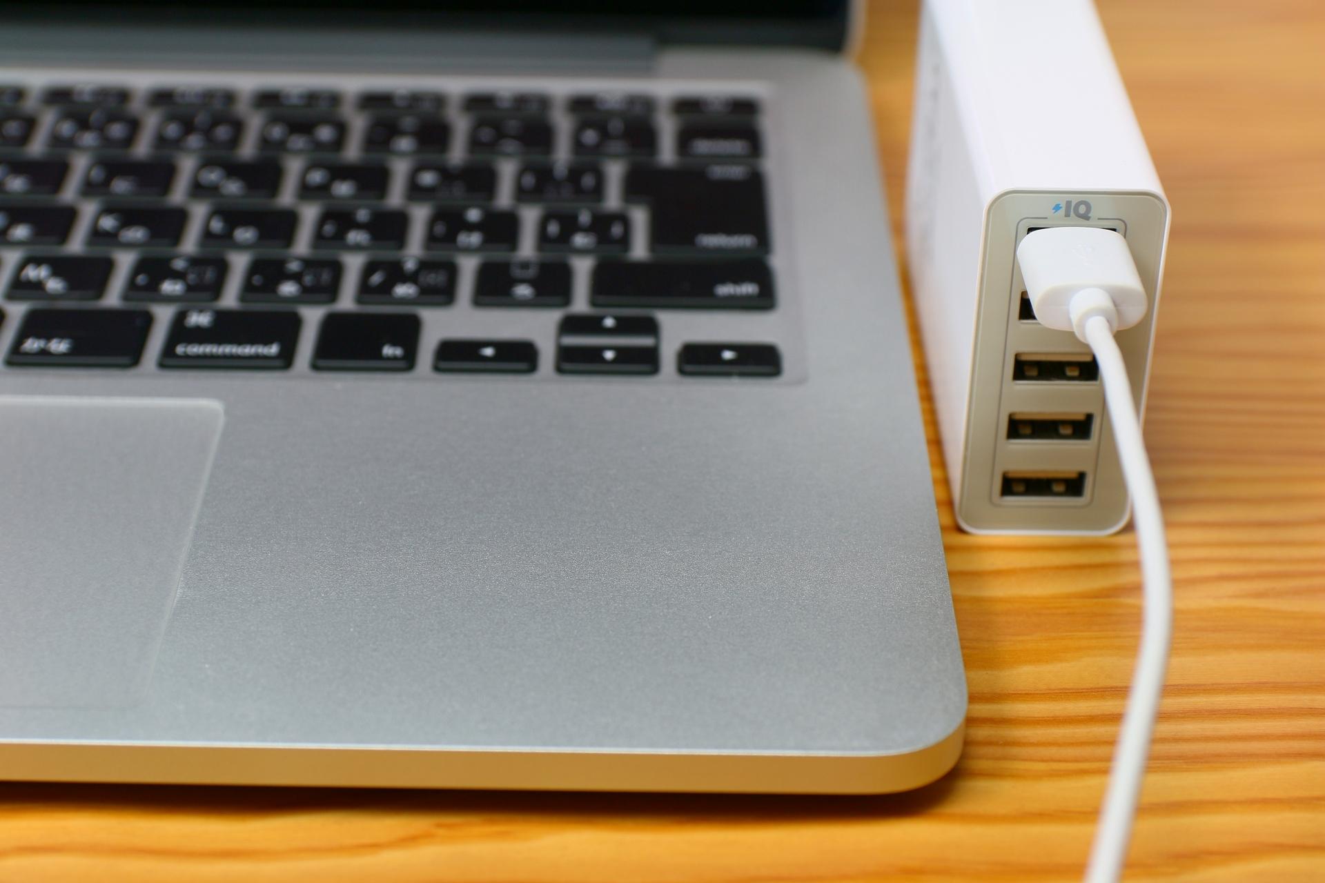 USB充電器のおすすめ9選!急速充電タイプも【2019年版】