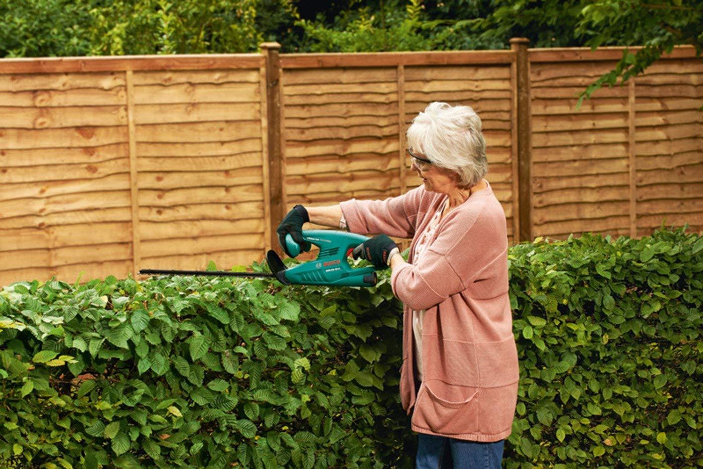 ヘッジトリマーのおすすめ10選!庭木をすっきり剪定しよう
