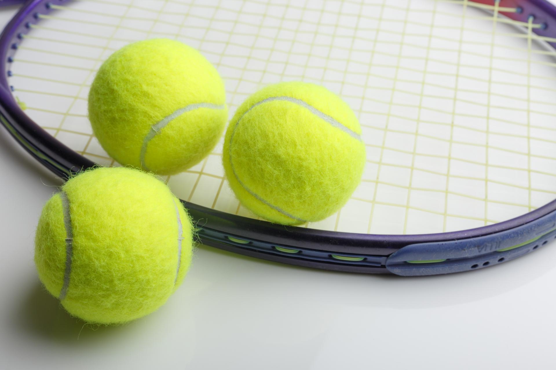 硬式テニスボールのおすすめ9選!球選びが上達の鍵