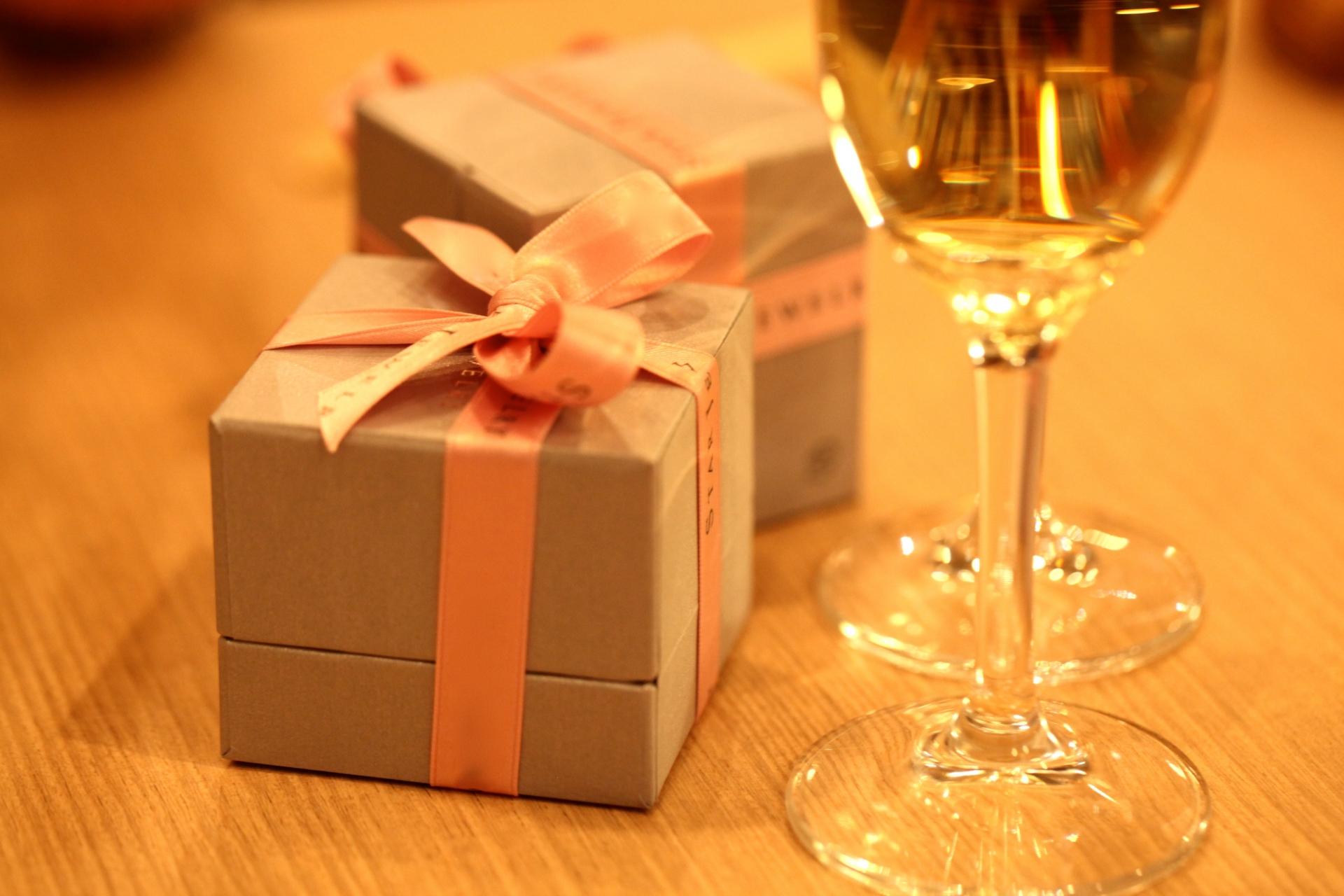 20代の彼女に贈る1万円前後の誕生日プレゼントおすすめ10選