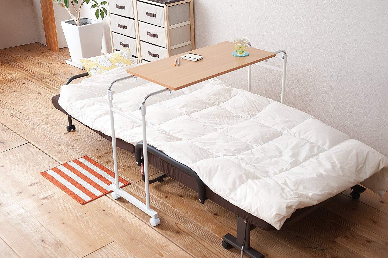 ベッドテーブルのおすすめ5選!おしゃれな折りたたみタイプも