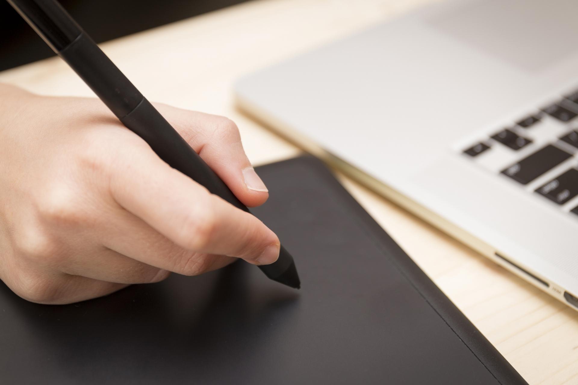 iPad対応スタイラスペン(タッチペン)のおすすめ8選【2020年版】