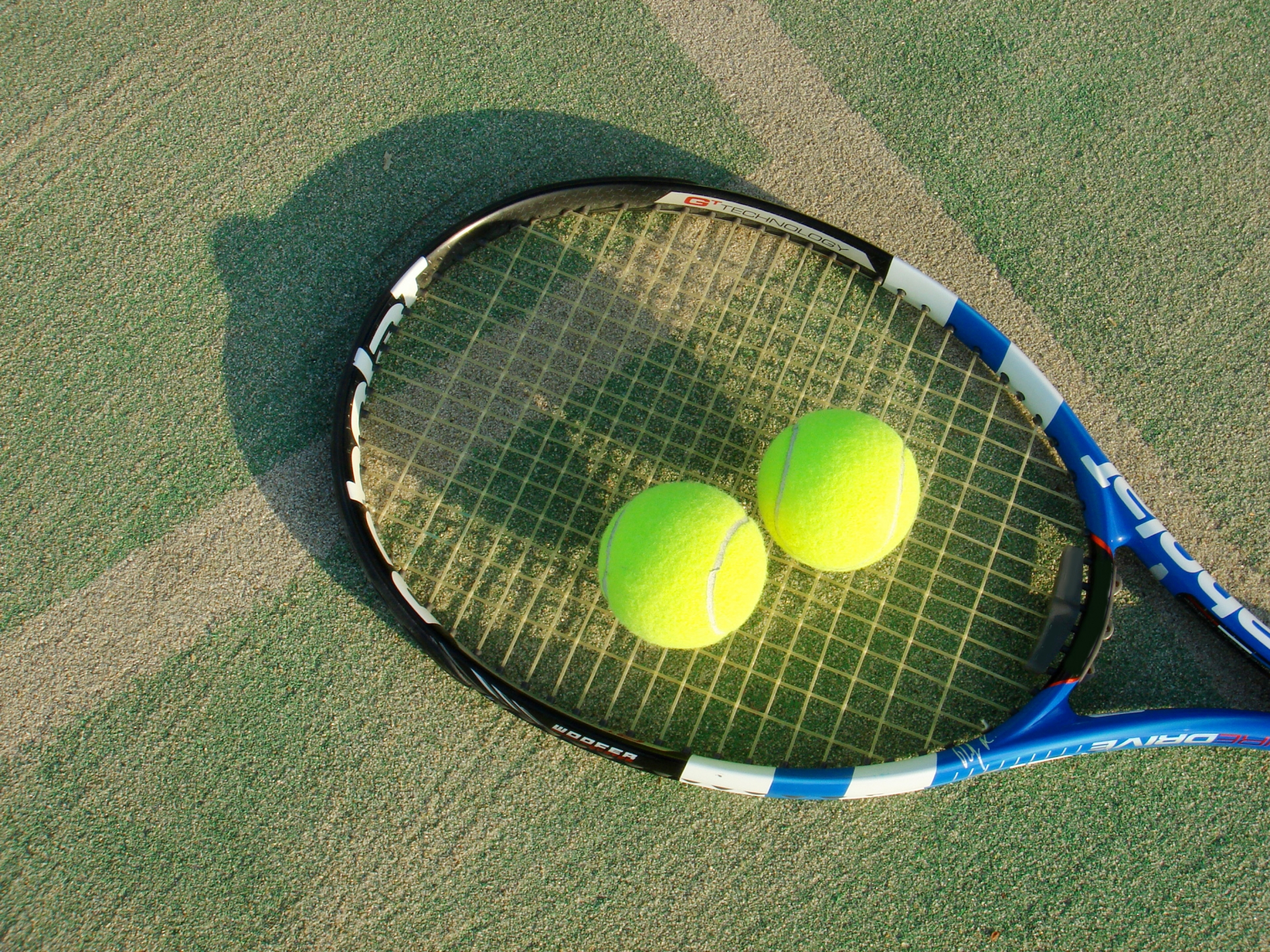 硬式テニスラケットのおすすめ10選!人気メーカーのウィルソンも