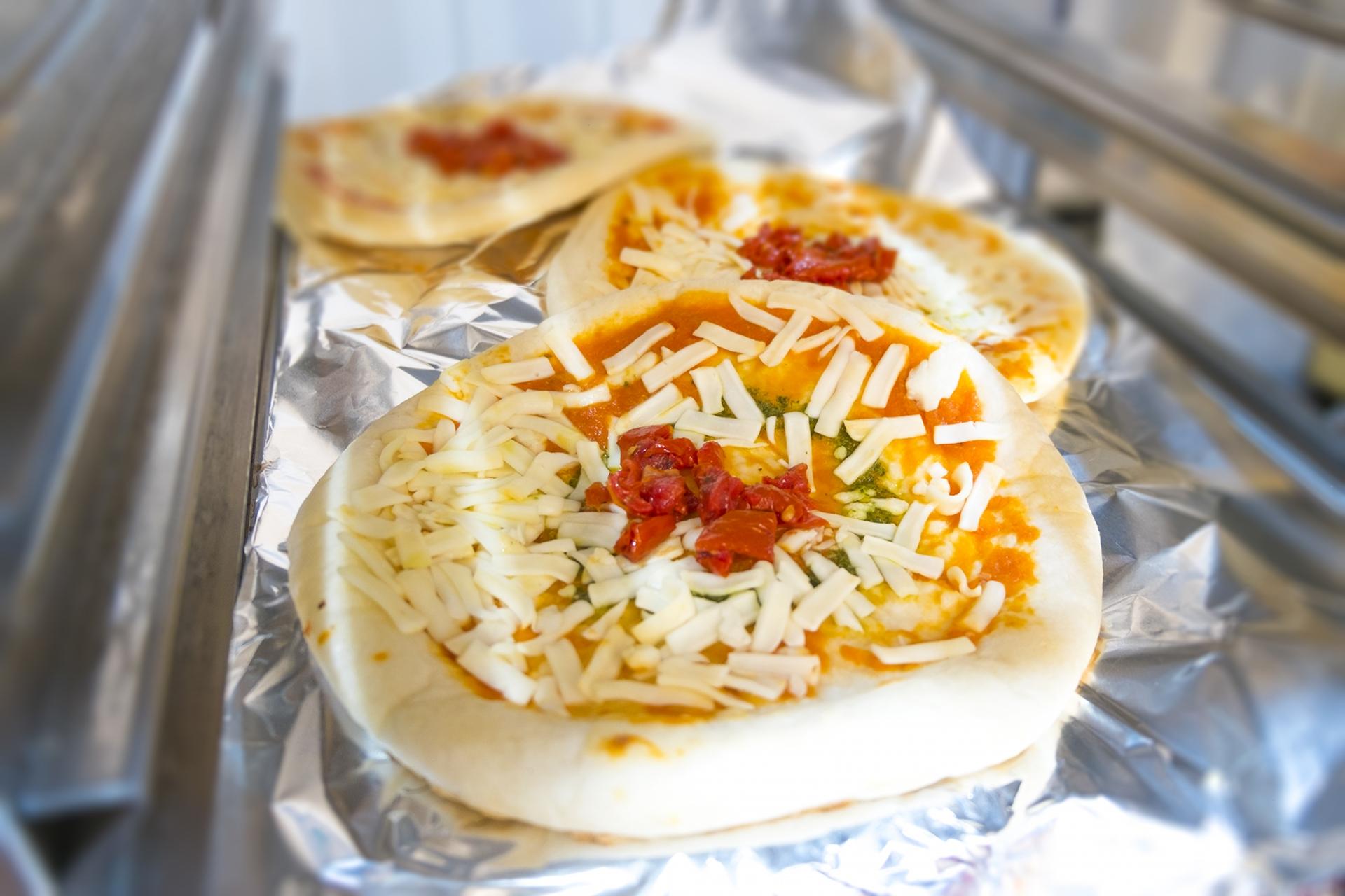 冷凍ピザのおすすめ6選!作り方や明治の商品も