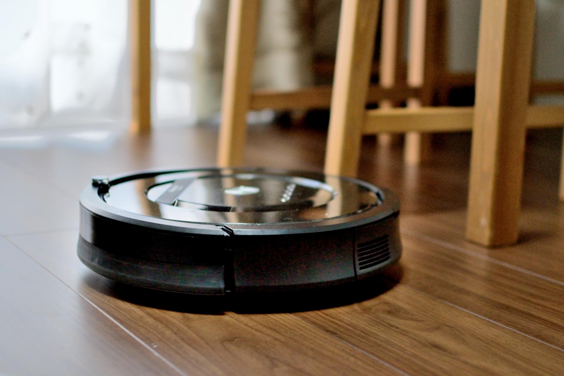 一人暮らしにおすすめのロボット掃除機7選!小型タイプも【2020年版】