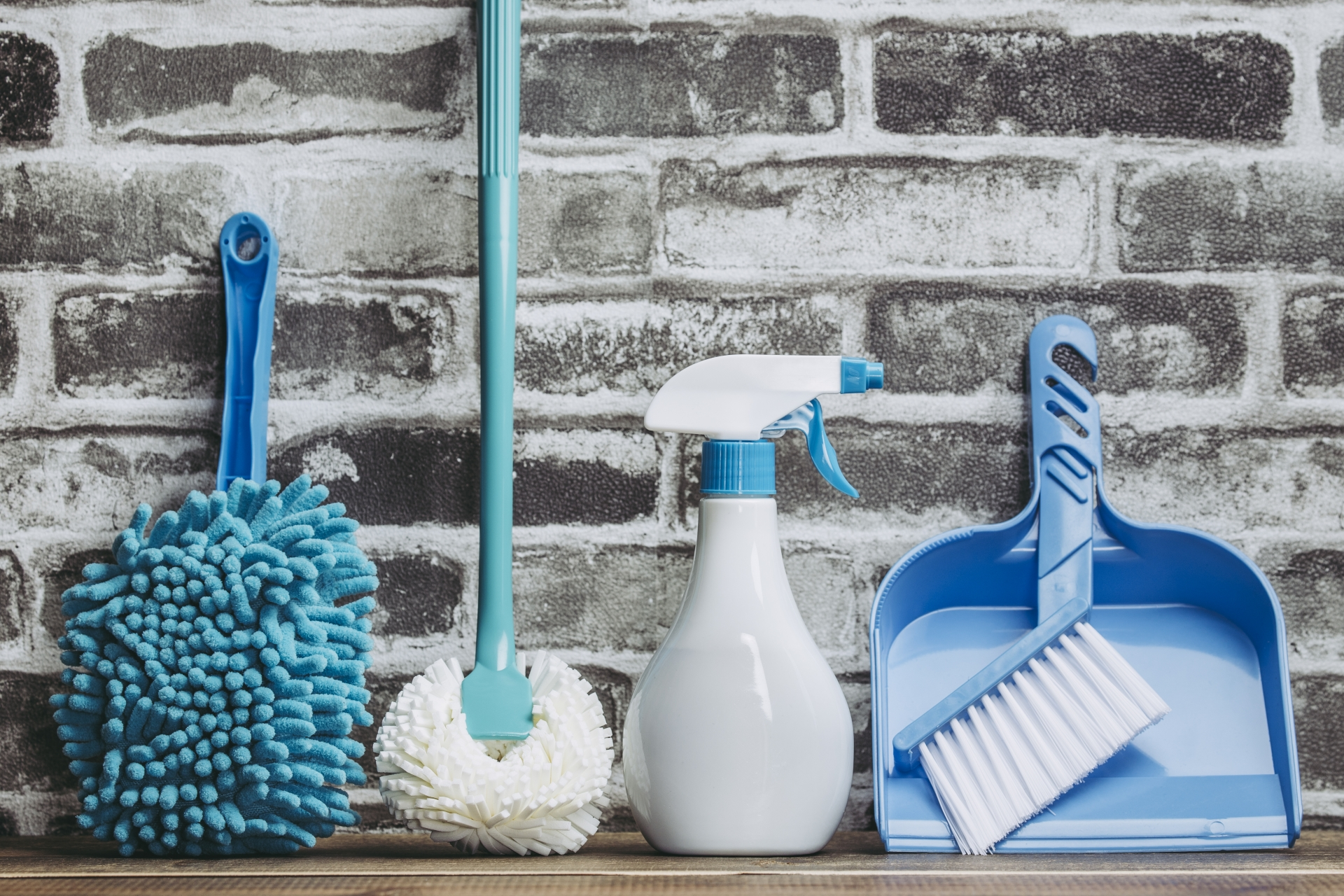 お掃除の便利グッズおすすめ7選!窓掃除やお風呂掃除に