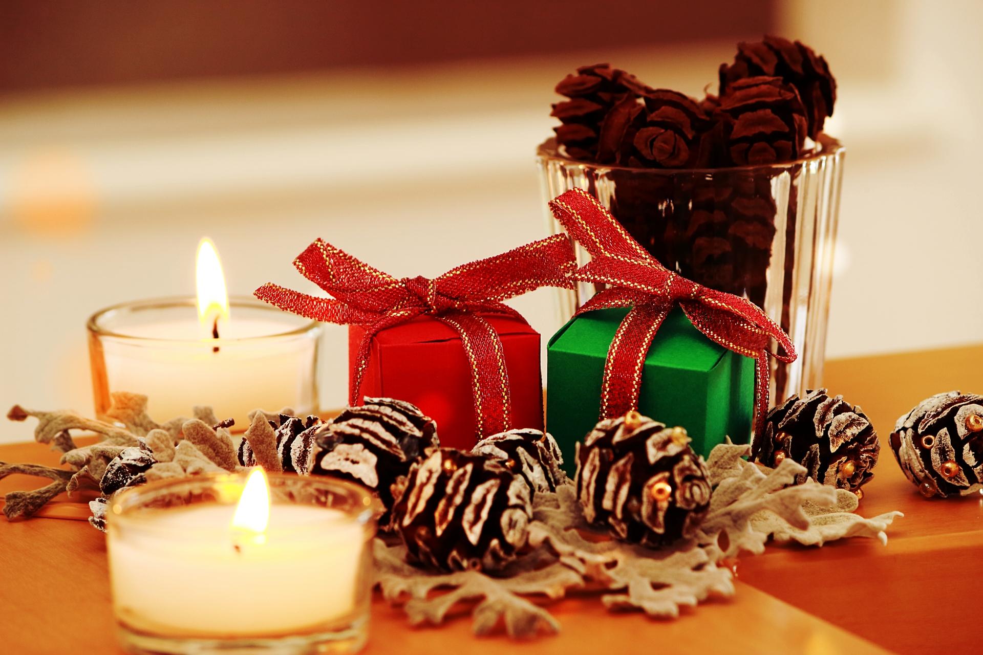 彼氏に贈るクリスマスプレゼントのおすすめ15選!マフラーや時計も