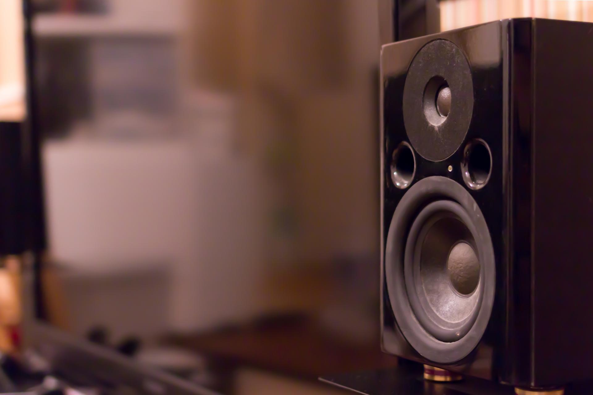 重低音スピーカーのおすすめ8選!Bluetooth対応タイプも