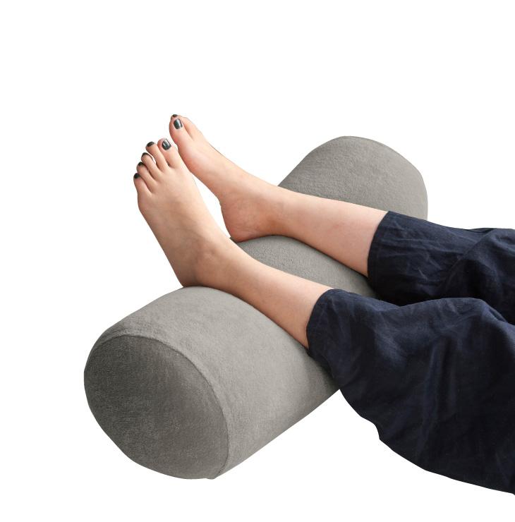 足枕のおすすめ9選!飛行機で使えるタイプも