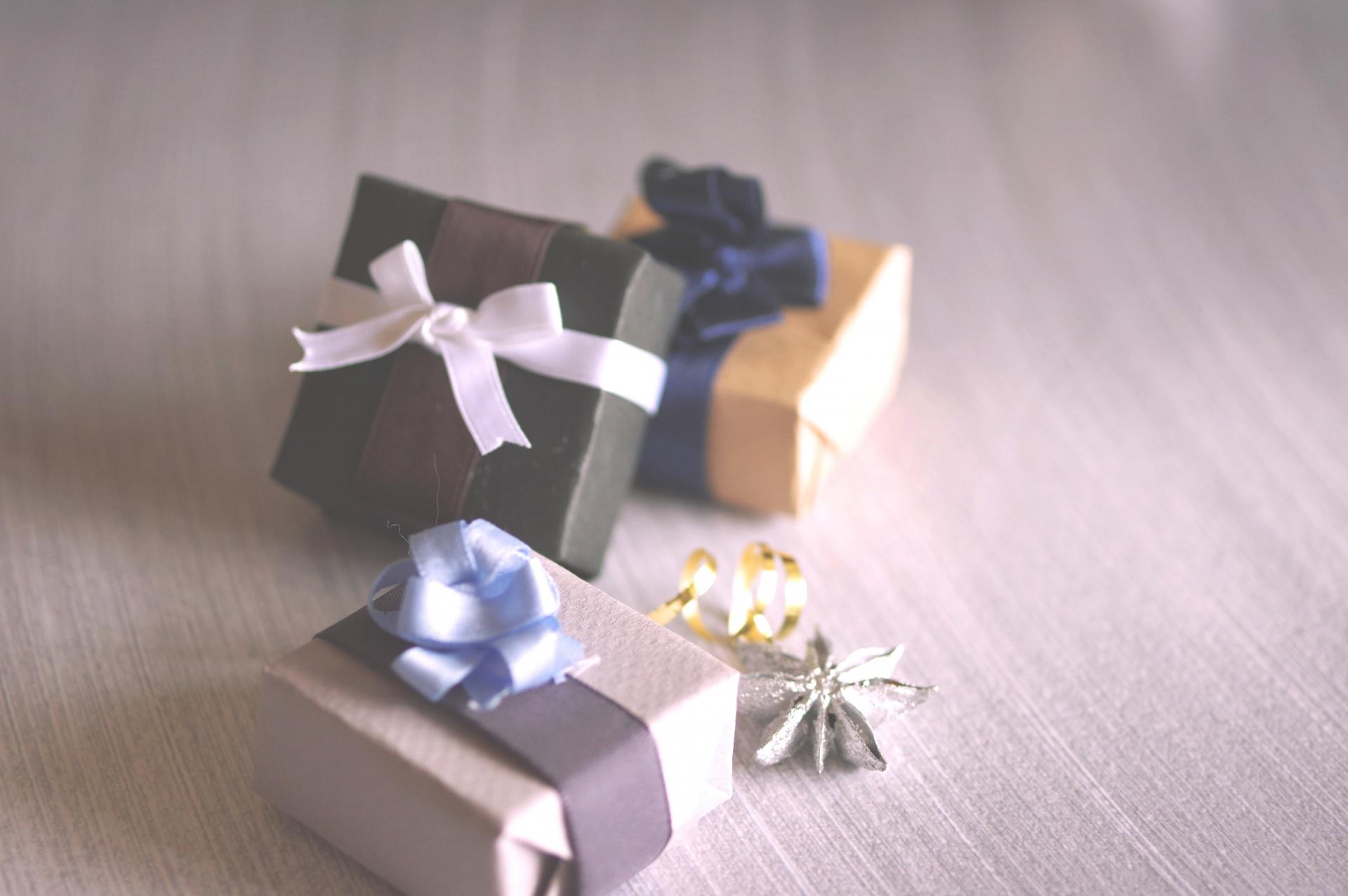 彼氏に贈る誕生日プレゼントのおすすめ50選!腕時計や財布も