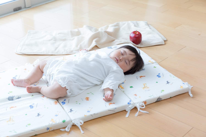 赤ちゃん用のお昼寝マットおすすめ9選!持ち運びタイプも