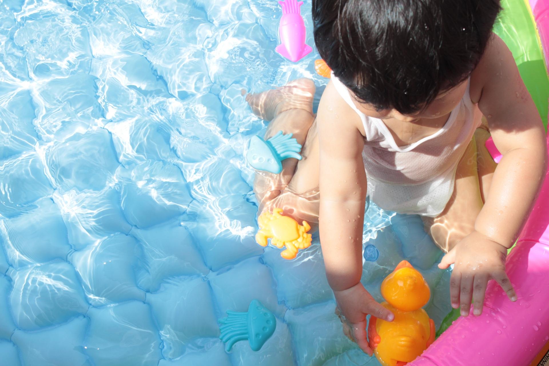 水遊び用のおもちゃおすすめ11選!仕組みを学べる知育玩具も