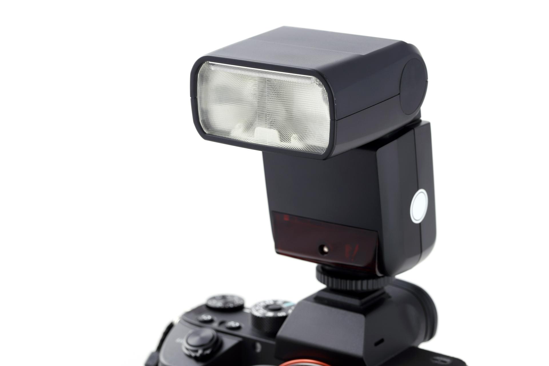 【2021年版】カメラ用のフラッシュ・ストロボおすすめ10選