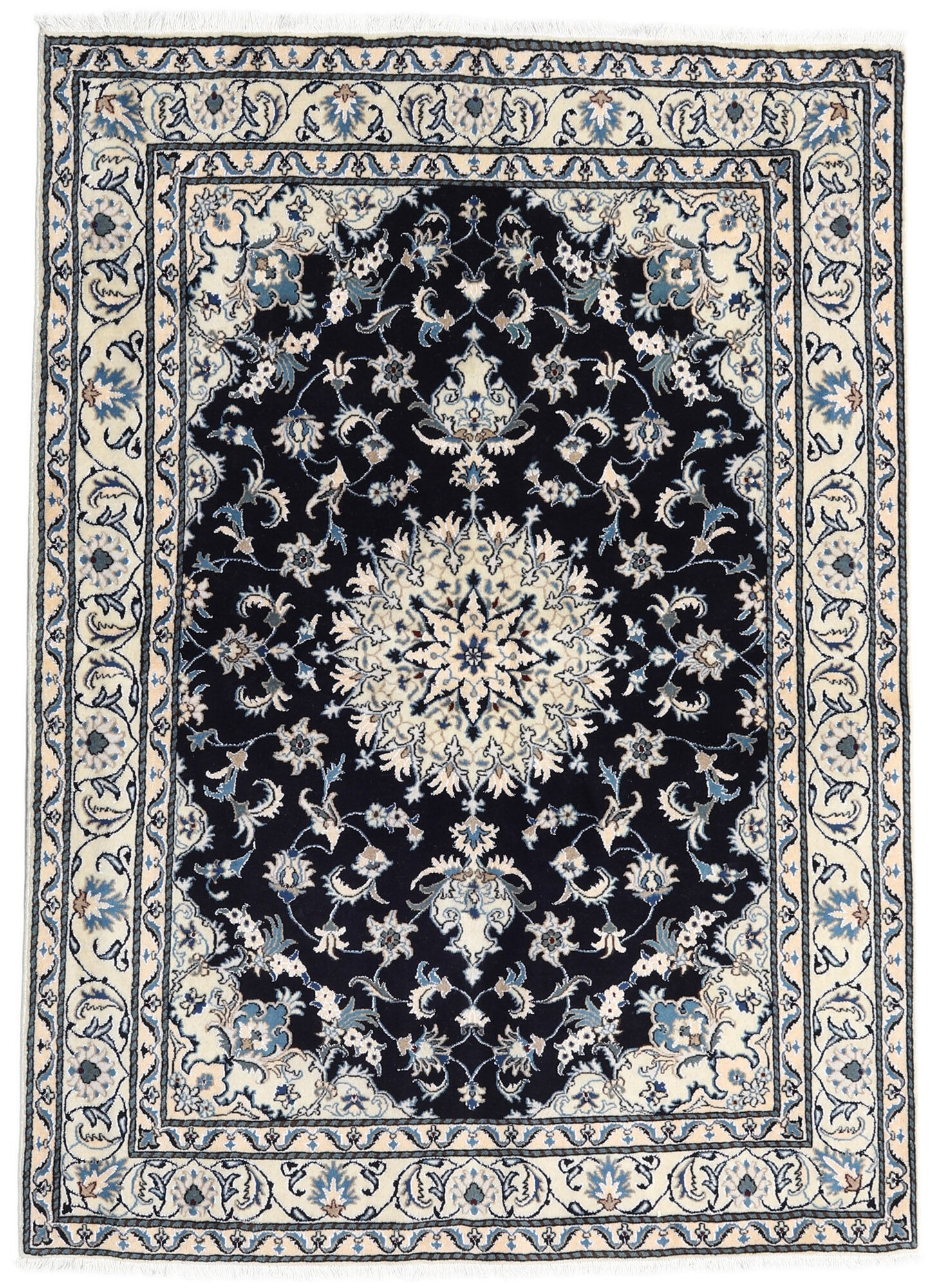 ペルシャ絨毯のおすすめ13選!玄関向けの小さいサイズも