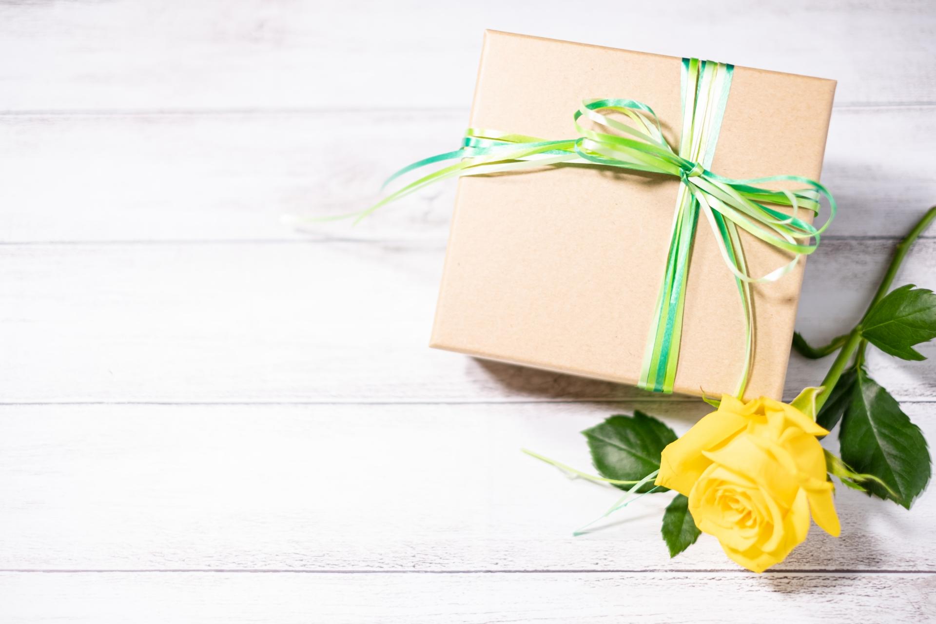 敬老の日のプレゼントおすすめ28選!健康グッズや日用品も