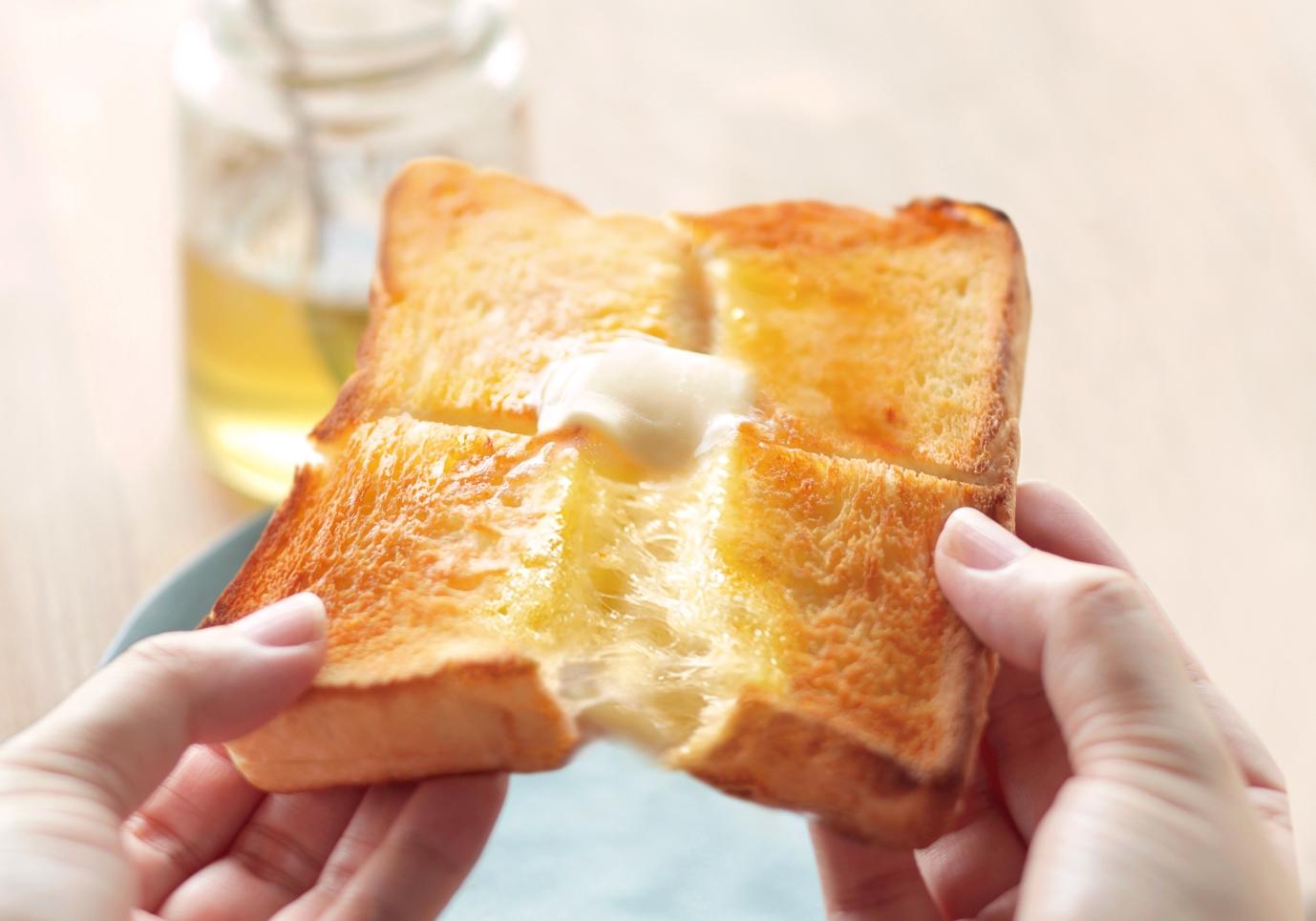 高級食パンも専用袋で気兼ねなく冷凍しよう!マーナの【パン冷凍保存袋】は美味しさそのまま