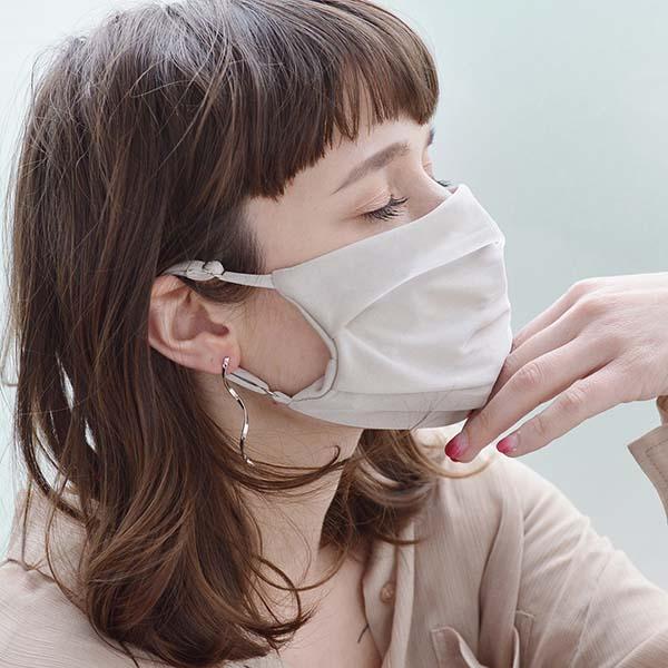 接触冷感の《COOLセレブマスク》はムレずに快適。肌にやさしい素材も◎