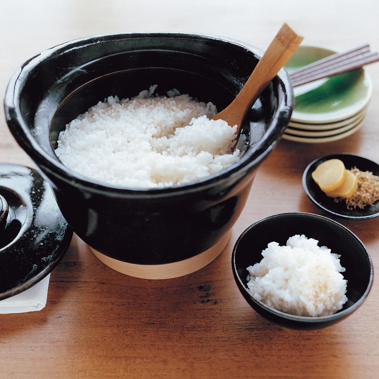 【無印良品】の土釜おこげで理想の食卓に早変わり。おこげ付きふっくらご飯を楽しもう。