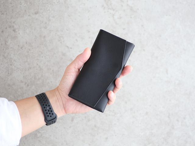 お札を折らなくてもしまえるミニ財布!極限サイズの長財布が登場です