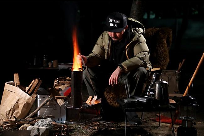 立ち上がる炎に心躍る!ロケットストーブでキャンプの焚き火をとことん楽しもう