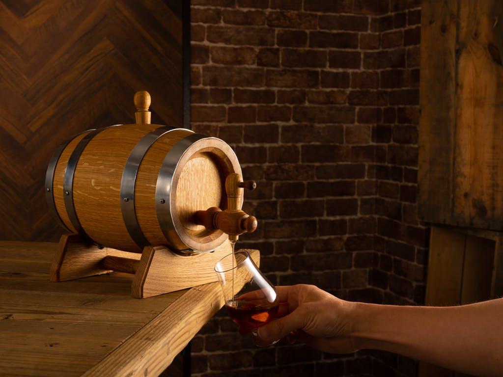 お家でウイスキーの熟成を楽しむ「ミニ樽」が登場